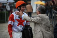 Mario Hofer (re.) mit Jockey Adrie de Vries